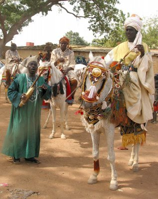Janet Goldner, Horses and Jockies Dressed by Kandioura Coulibaly, Segou, 2007.