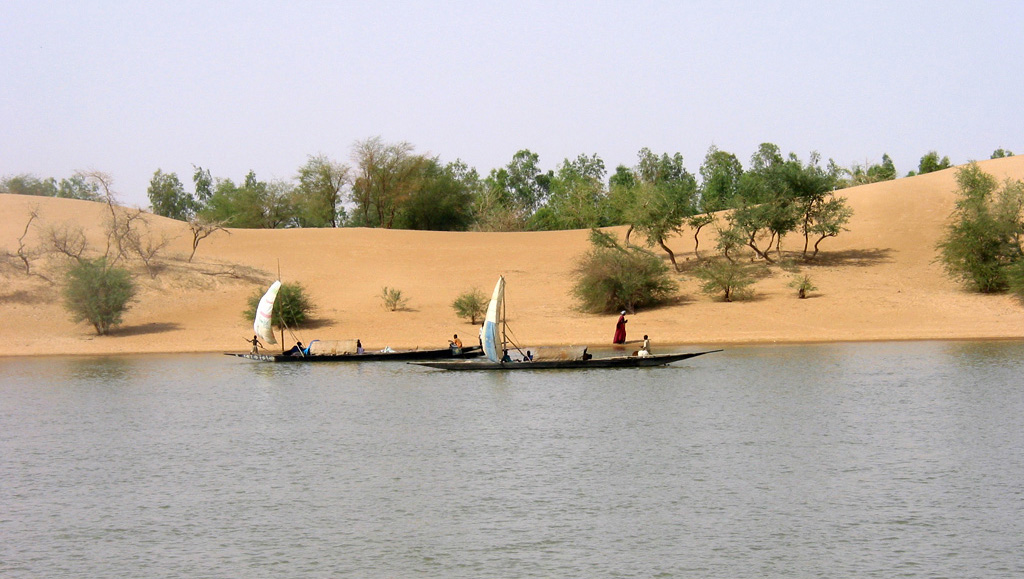 4521-dunes-boat-trees2