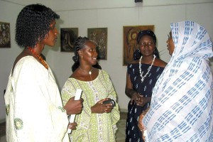 Tary Keita, Sira Sissoko & Aissata Dao with the representative of the Ministry of Women